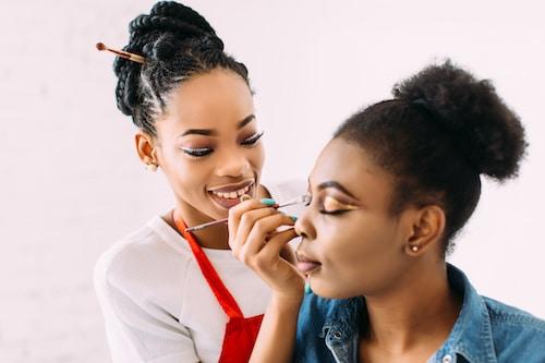 Kosmetik Kurse mit Zertifikat Berlin
